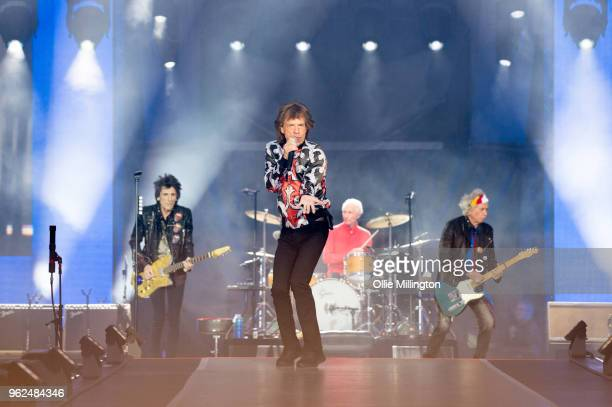 Ronnie Wood Mick Jagger Charlie Watts and Keith Richards of The Rolling Stones perform live on stage during the 'No Filter' tour at The London...