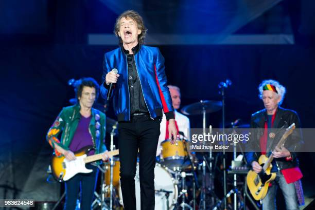 Ronnie Wood Mick Jagger Charlie Watts and Keith Richards of the Rolling Stones perform live on stage at St Mary's Stadium on May 29 2018 in...