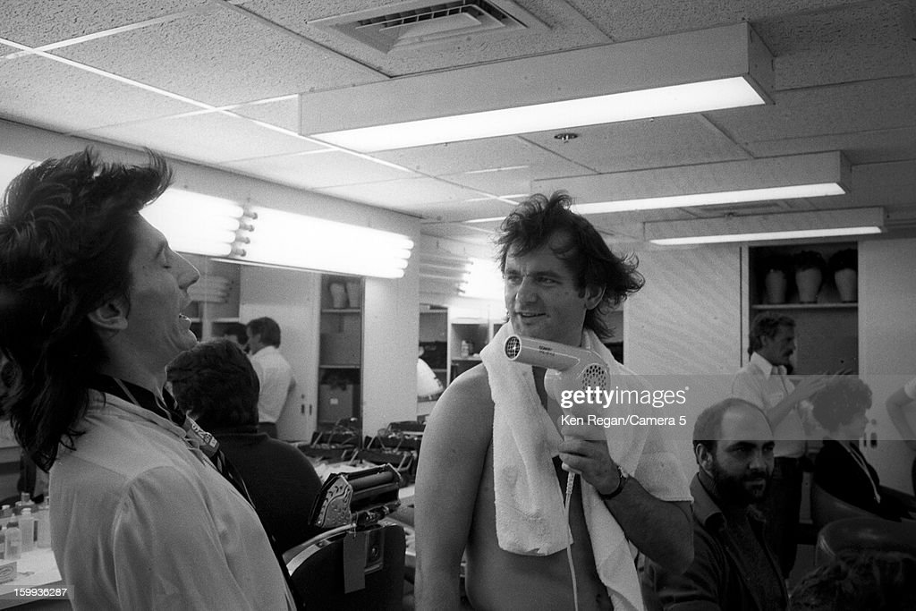 Ronnie Wood of The Rolling Stones and Bill Murray are photographed in the dressing rooms of Saturday Night Live on October 7, 1978 in New York City.