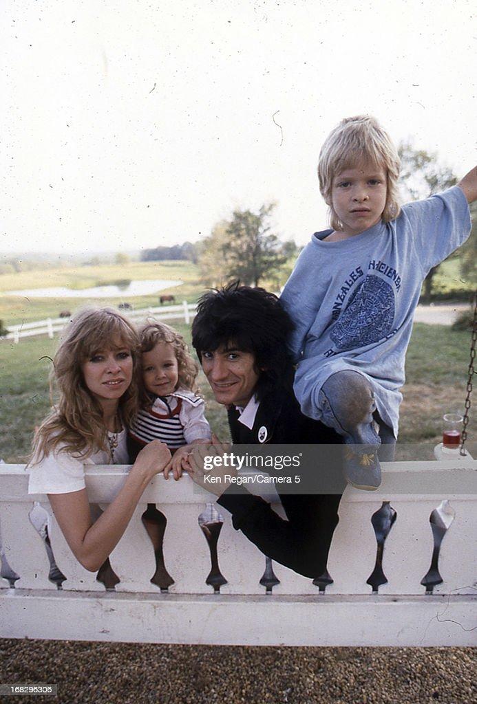 Ronnie Wood Family, Ken Regan Archive, 1983