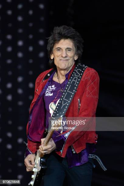 Ronnie Wood of The Rolling Stones performs live on stage at Murrayfield Stadium on June 9 2018 in Edinburgh Scotland