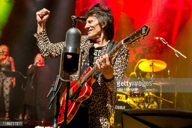 Ronnie Wood performs at O2 Shepherds Bush Empire on November 21, 2019 in London, England.