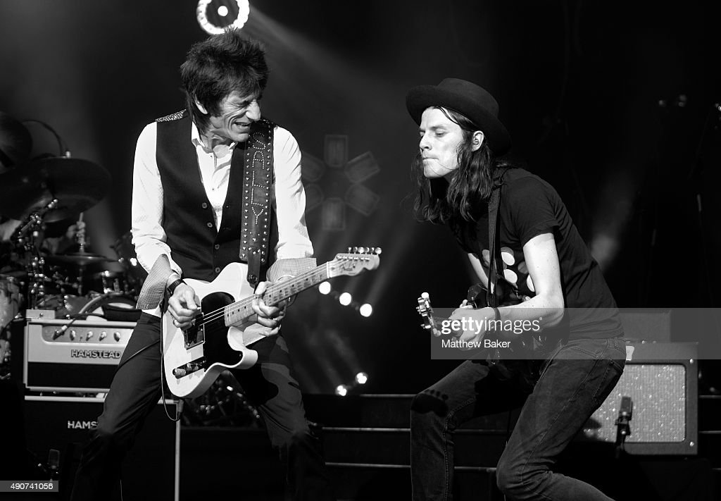 Ronnie Wood (L) performs on stage with James Bay at O2 Academy Brixton on September 30, 2015 in London, England.