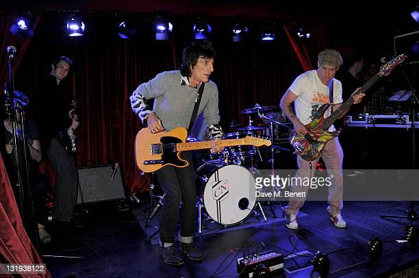 Ronnie Wood performs with Josh Klinghoffer Chad Smith and Flea of the Red Hot Chili Peppers at the launch of Flea and Damien Hirst's new line of Spin...