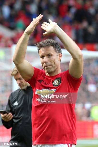Ronny Johnsen of Manchester United '99 Legends acknowledges the fans at the end of the 20 Years Treble Reunion match between Manchester United '99...