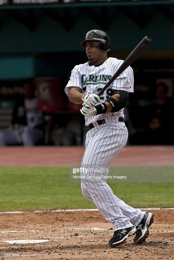 Ronny Paulino #29 of the Florida Marlins bats during a MLB game against the New York Mets in Sun Life Stadium on May 16, 2010 in Miami, Florida.