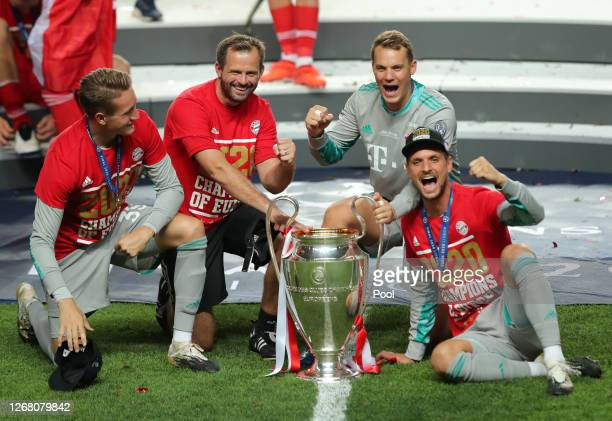 RonThorben Hoffmann Toni Tapalovic Manuel Neuer and Sven Ulreich of FC Bayern Munich during the UEFA Champions League Final match between Paris...