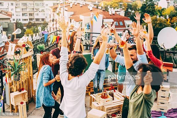 屋根のパーティ