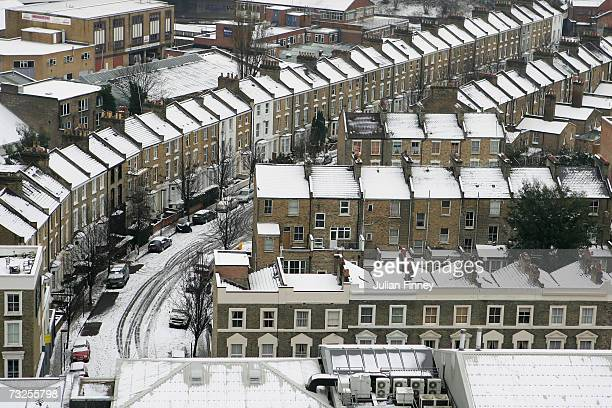 Roof tops covered in snow in Highbury on February 8 2007 in London England Heavy snowfall across the UK has caused traffic chaos and schools to close