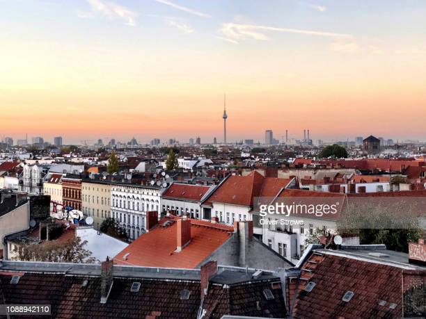 rooftop bar klunkerkranich - berlin stock pictures, royalty-free photos & images
