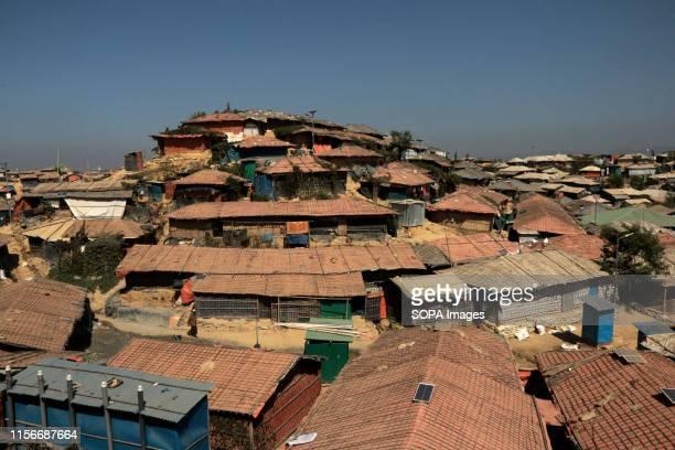 COX'S BAZAR UKHIA BANGLADESH Rooftops at the Balukhali Rohingya camp in Cox's Bazar More than half a million Rohingya refugees have fled into...