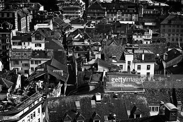 rooftops of zurich's historic part of old town - tobias gaulke stock-fotos und bilder