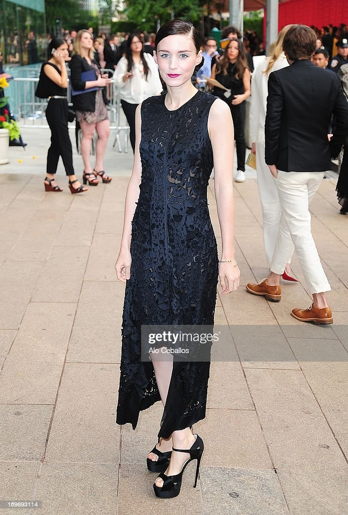 Rooney Mara arrives at the 2013 CFDA Fashion Awards at Alice Tully Hall on June 3, 2013 in New York, New York.