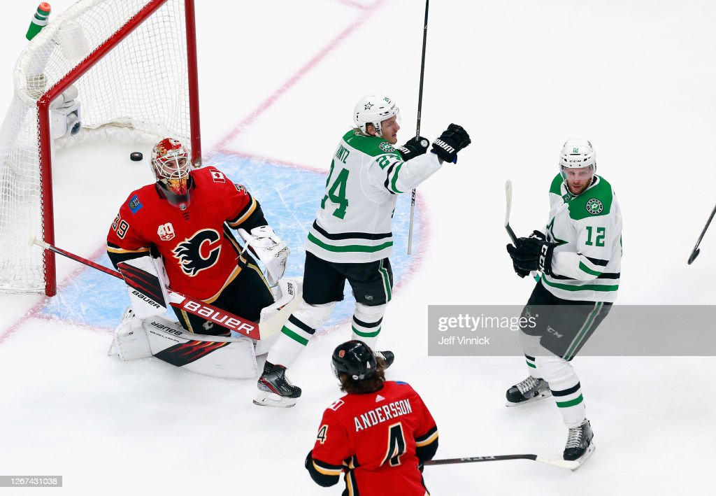 Dallas Stars v Calgary Flames - Game Six : News Photo