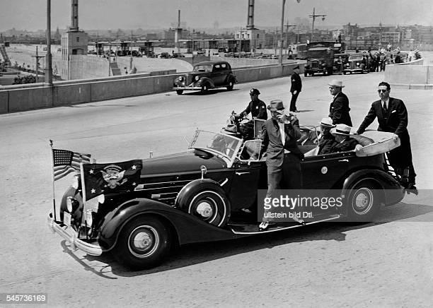 Roosevelt Franklin Delano *30011882Politiker USA Demokraten32 Präsident 19331945Sicherheitsbeamte an der Limousine des Präsidenten 1938