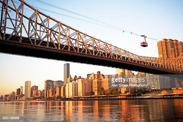 Roosevelt Island Tramway and Queensboro Bridge