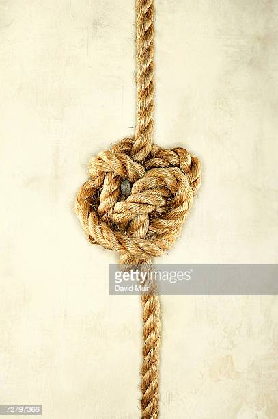 Rope with knot in middle