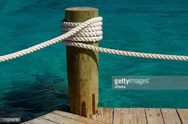 corda - coluna de madeira - fotografias e filmes do acervo