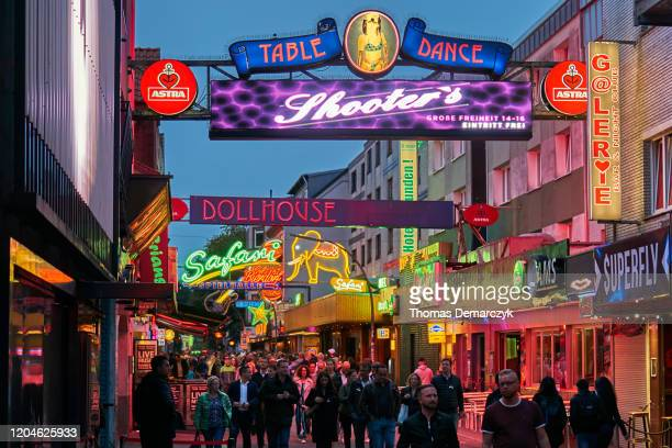 reeperbahn - reeperbahn stock pictures, royalty-free photos & images
