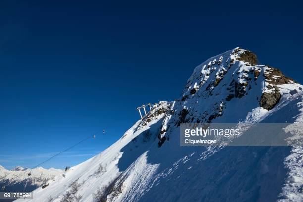 ropeway in caucasus mountains - cliqueimages stock pictures, royalty-free photos & images