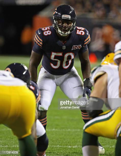 Roquan Smith of the Chicago Bears awaits the snap against the Green Bay Packers at Soldier Field on September 05, 2019 in Chicago, Illinois.