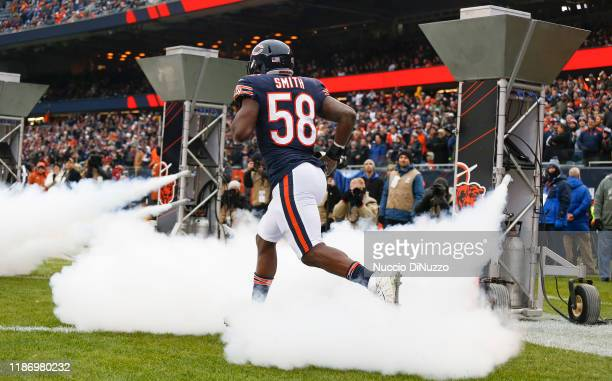 Roquan Smith of the Chicago Bears takes the field prior to a game against the Detroit Lions at Soldier Field on November 10, 2019 in Chicago,...