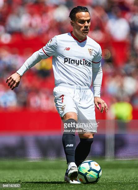 Roque Mesa of Sevilla FC in action during the La Liga match between Sevilla and Villarreal at on April 14 2018 in Seville