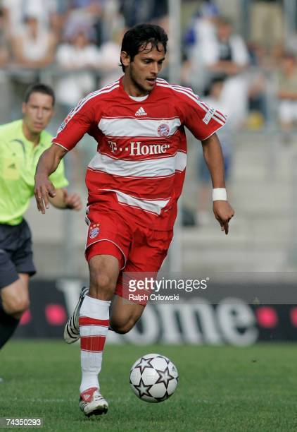 Roque Santa Cruz of FC Bayern Munich in action during their friendly match against SV Waldhof Mannheim at the Carl-Benz-Stadium May 24, 2007 in...