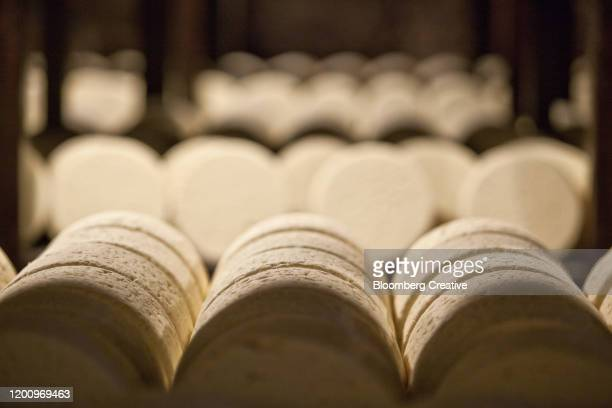 roquefort cheese - ripe stock pictures, royalty-free photos & images