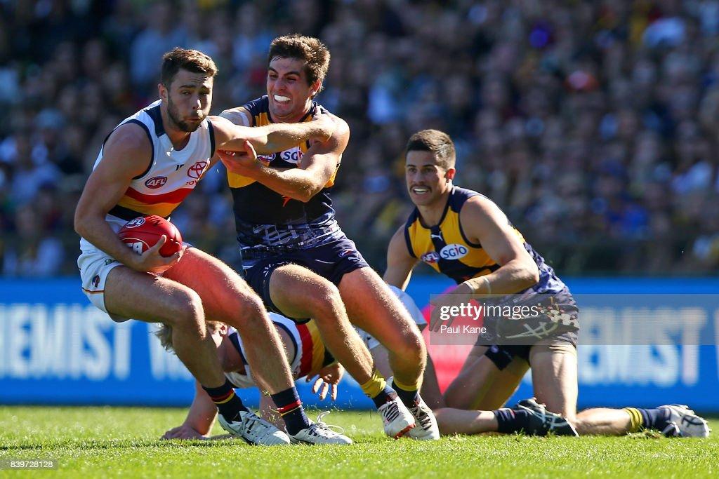 AFL Rd 23 - West Coast v Adelaide : News Photo