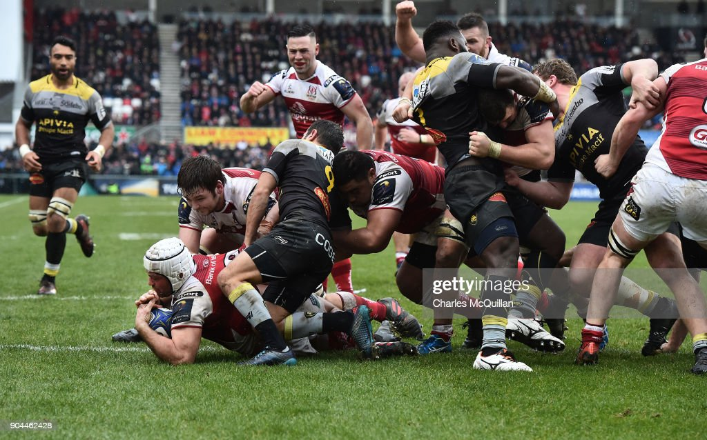 Rory Best of Ulster scores a try during the European Rugby Champions Cup match between Ulster Rugby and La Rochelle at Kingspan Stadium on January 13, 2018 in Belfast, Northern Ireland.