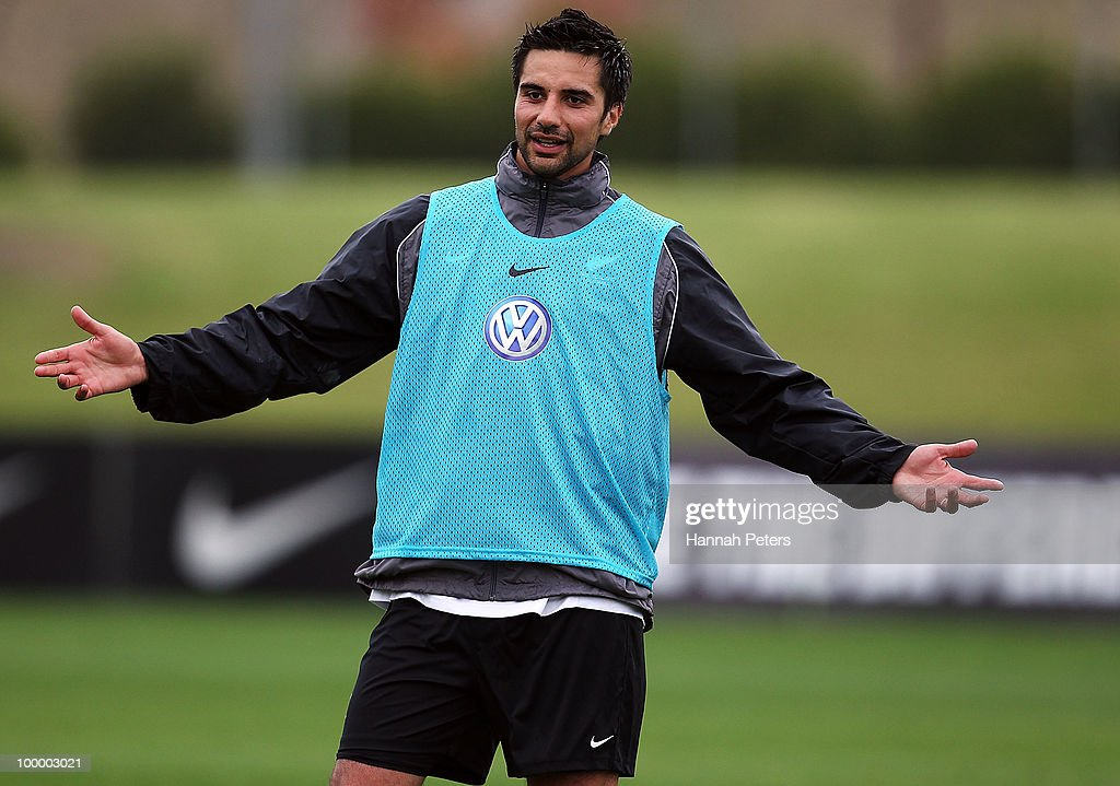 Rory Fallon talks to the team during a New Zealand All Whites training session at North Harbour Stadium on May 20, 2010 in Auckland, New Zealand.
