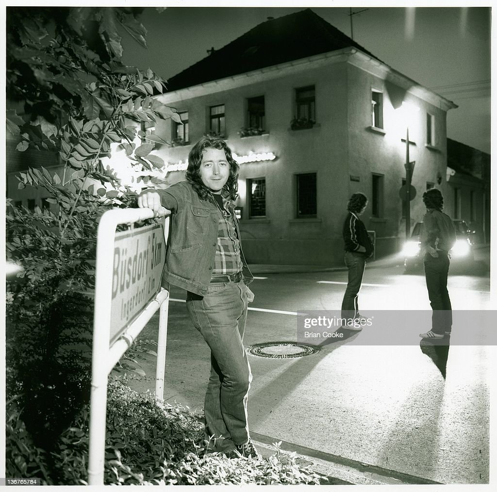 Photos en vrac - Page 8 Rory-gallagher-gerry-mcavoy-ted-mckenna-posed-in-pulheim-near-cologne-picture-id136765784