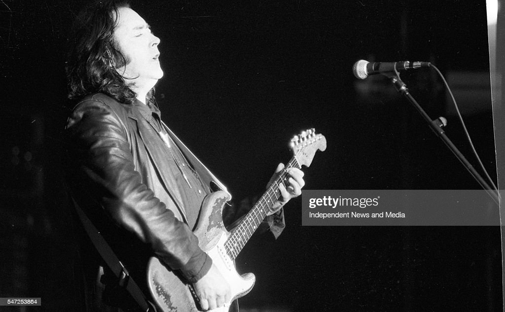 Photos en vrac - Page 9 Rory-gallagher-performing-at-college-green-dublin-15081992-892274-picture-id547253864