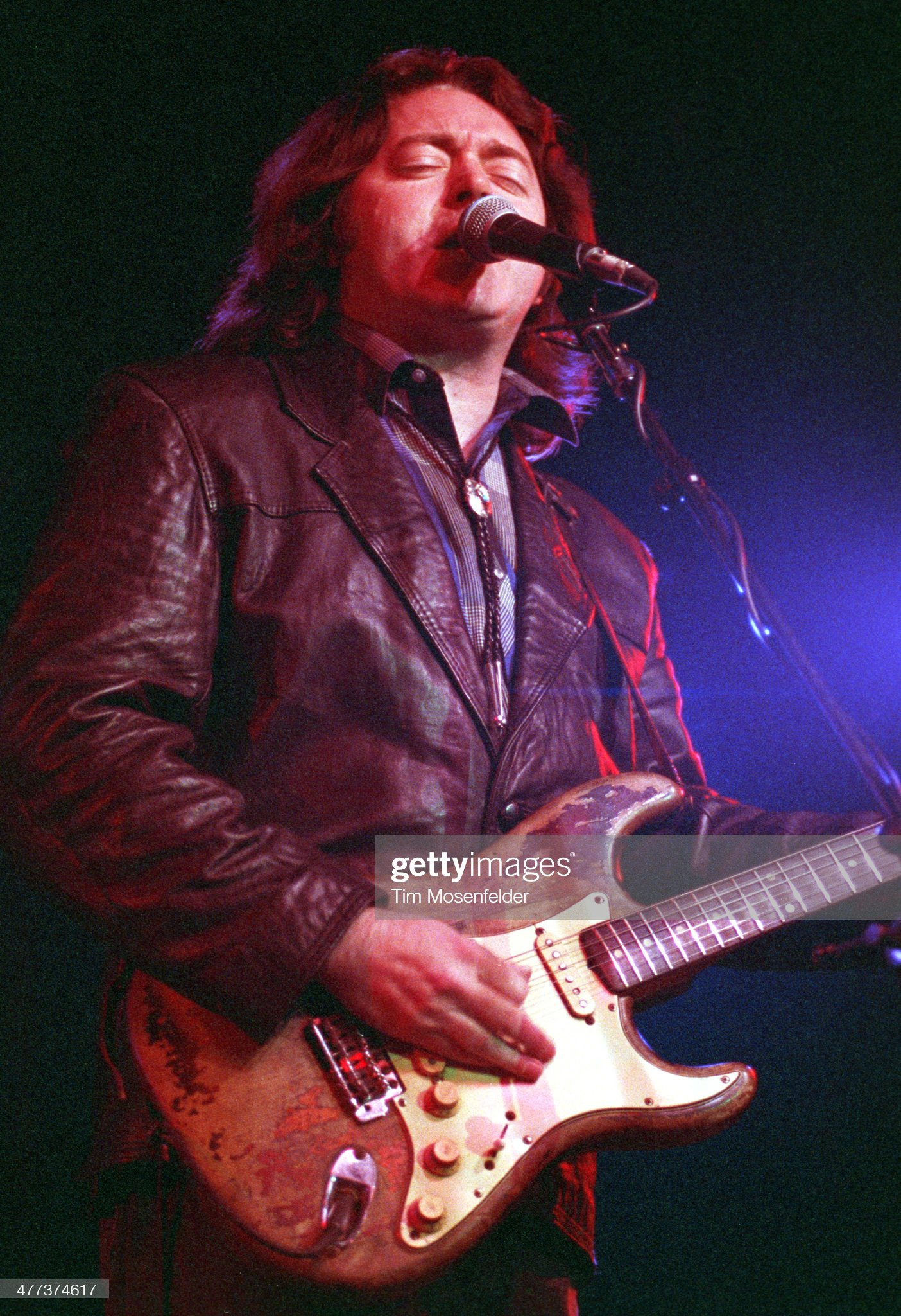 Photos en vrac - Page 18 Rory-gallagher-performs-at-the-catalyst-on-march-15-1991-in-santa-picture-id477374617?s=2048x2048