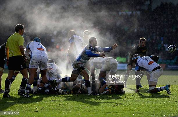 Rory Kockott of Castres passes the ball during the European Rugby Champions Cup match between Northampton Saints and Castres Olympique at Franklins...