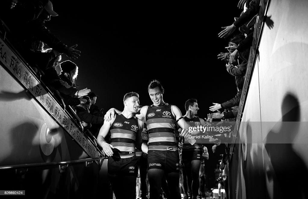 AFL Rd 20 - Adelaide v Port Adelaide : Nachrichtenfoto