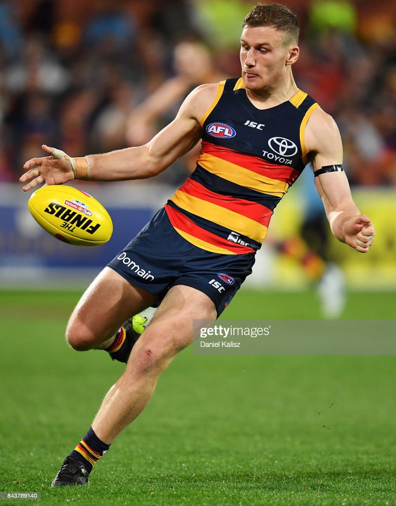 AFL First Qualifying Final - Adelaide v GWS : News Photo