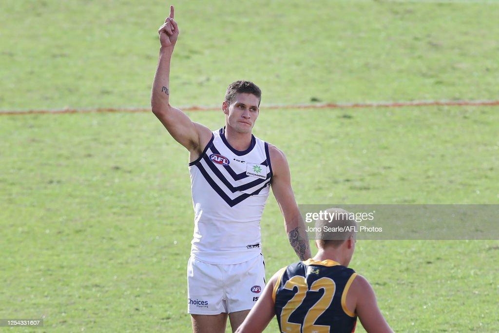 AFL Rd 5 - Adelaide v Fremantle : News Photo
