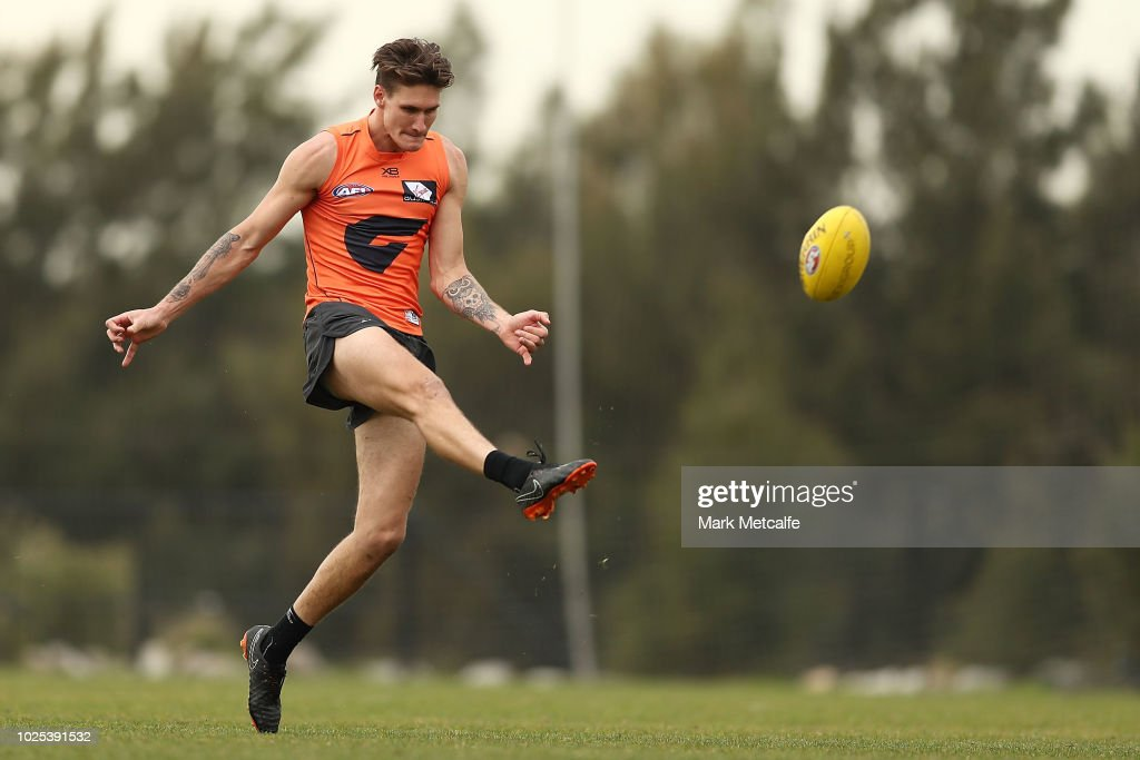GWS Giants Training Session : News Photo