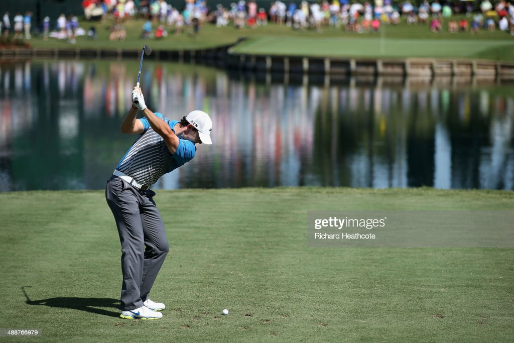 Rory McIlroy of Northern Ireland hits his tee shot on the 17th hole during the first round of THE PLAYERS Championship on The Stadium Course at TPC Sawgrass on May 8, 2014 in Ponte Vedra Beach, Florida.