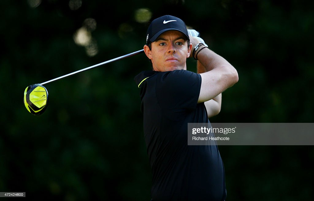 Rory McIlroy of Northern Ireland plays his shot from the 11th tee during round one of THE PLAYERS Championship at the TPC Sawgrass Stadium course on May 7, 2015 in Ponte Vedra Beach, Florida.