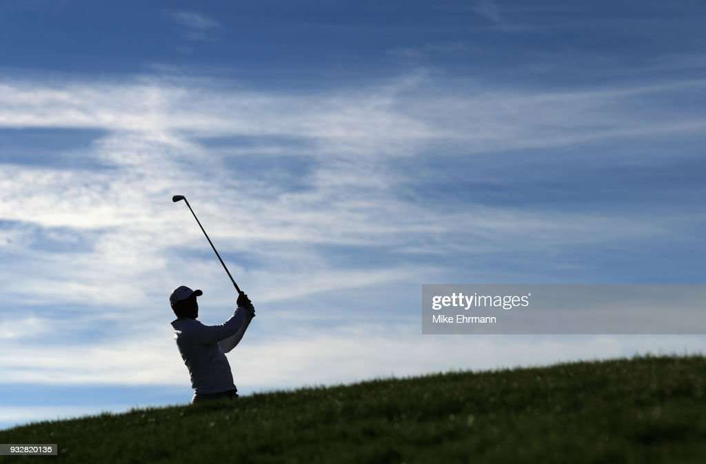 Rory McIlroy of Northern Ireland plays his shot from the 14th tee during the second round at the Arnold Palmer Invitational Presented By MasterCard at Bay Hill Club and Lodge on March 16, 2018 in Orlando, Florida.