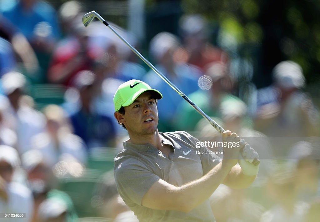 Rory McIlroy of Northern Ireland plays his shot from the 16th tee during the continuation of the second round of the U.S. Open at Oakmont Country Club on June 18, 2016 in Oakmont, Pennsylvania.