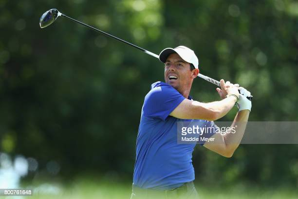 Rory McIlroy of Northern Ireland plays his shot from the 18th tee during the final round of the Travelers Championship at TPC River Highlands on June...
