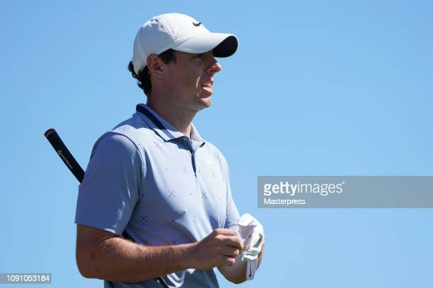 Rory McIlroy of Northern Ireland reacts after a tee shot on the 2nd hole during the final round of the Sentry Tournament of Champions at the...