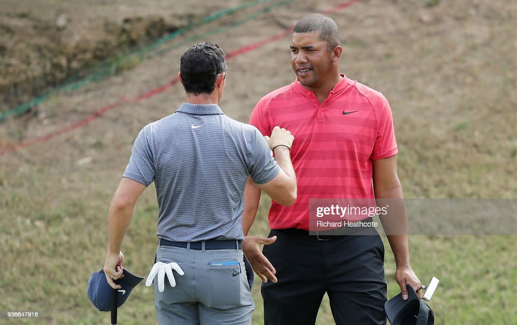 Rory McIlroy of Northern Ireland shakes hands with Jhonattan Vegas of Venezuela after defeating him 2&1 on the 17th green during the second round of the World Golf Championships-Dell Match Play at Austin Country Club on March 22, 2018 in Austin, Texas.
