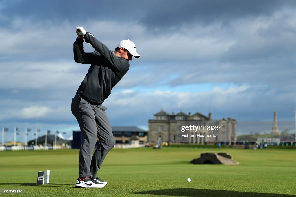 Rory McIlroy of Northern Ireland tees off on the 18th during day one of the 2017 Alfred Dunhill Championship at The Old Course on October 5, 2017 in St Andrews, Scotland.