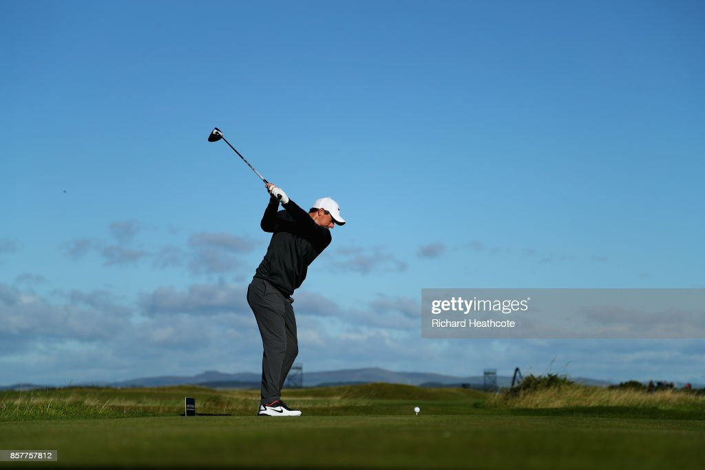 Rory McIlroy of Northern Ireland tees off on the 4th during day one of the 2017 Alfred Dunhill Championship at The Old Course on October 5, 2017 in St Andrews, Scotland.