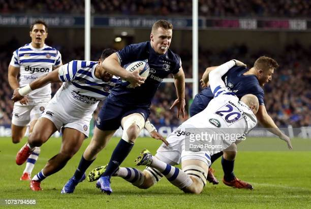 Rory O'Loughlin of Leinster breaks before scoring a try during the Champions Cup match between Leinster Rugby and Bath Rugby at Aviva Stadium on...